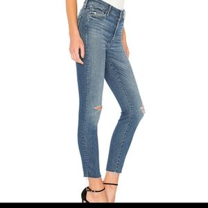 MOTHER High Waisted Ankle Fray Jeans Wild Wash 24